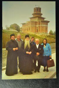 Părintele Arsenie Papacioc la Mânăstirea Cârțișoara.